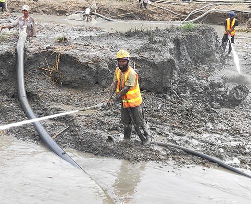 巴布亚新几内亚莱城港防洪渠开挖工程