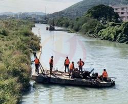 绞吸式疏浚船